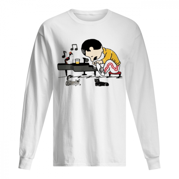 Freddie Mercury and cats playing piano  Long Sleeved T-shirt